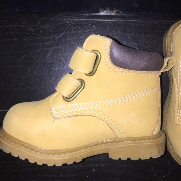boots for baby boy size 4